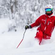 skiier powder