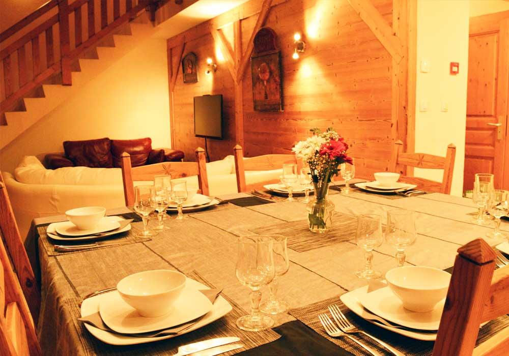 Chalet Eagle Dining