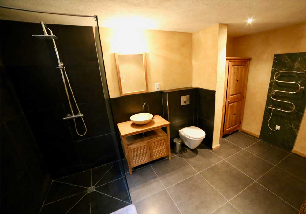 Self Catered Studio Arberons Bathroom